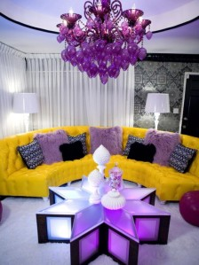 pink-yellow-white-living-room-e1320170630550